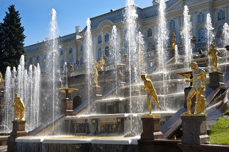 grand-cascade-in-peterhof.jpg