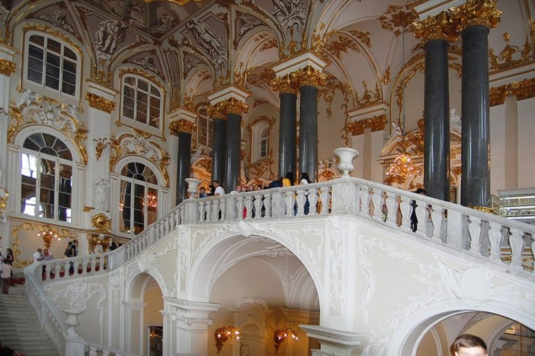 Winter-Palace-Hermitage-museum-Saint-Petersburg-09.jpg